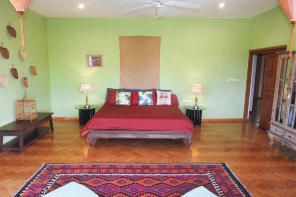 training-paradise-coconut-bedroom-bed-2