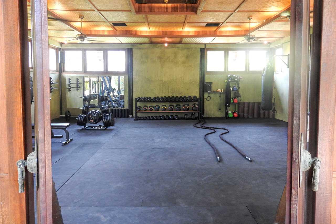 training-paradise-gym-entrance