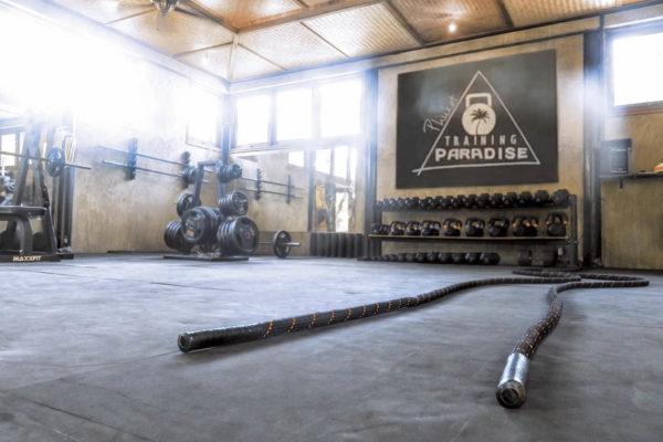 training-paradise-gym-sign